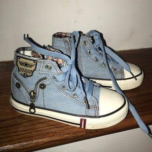 Other - Cute light blue denim sneakers